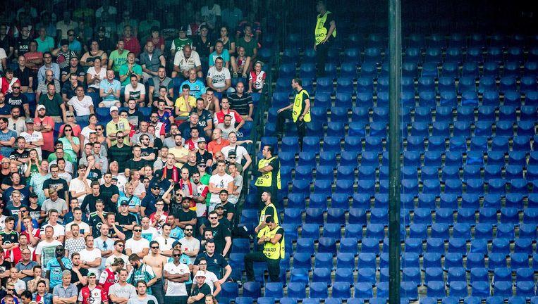 Tijdens de EL-wedstrijd Feyenoord - Manchester United in september zijn de tribunes in de Kuip halfleeg uit veiligheidsoverwegingen. Beeld ANP Pro Shots