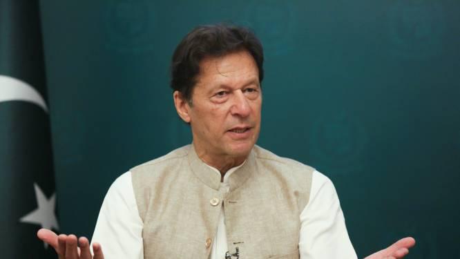 Woede om uitspraak premier Pakistan over aanrandingen: 'Als vrouw weinig kleren draagt, heeft dat impact'