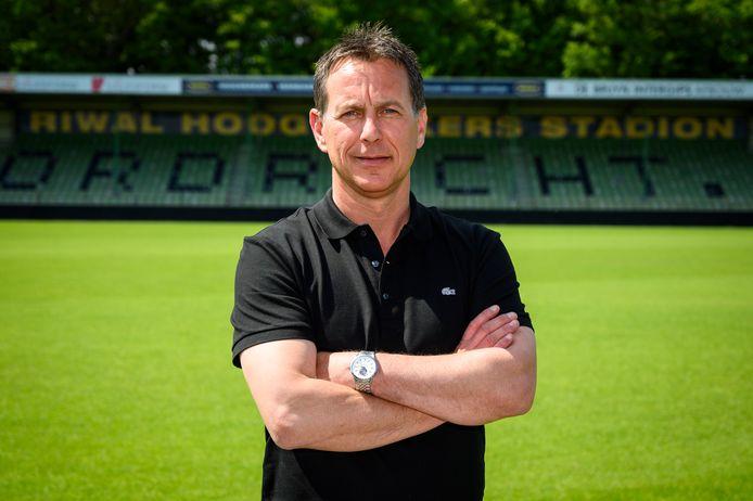 FCDordrecht-innovatiemanager Leon Vlemmings was deze week gastheer bij de presentatie van het 'transitieboekje voor voetbalclubs'.