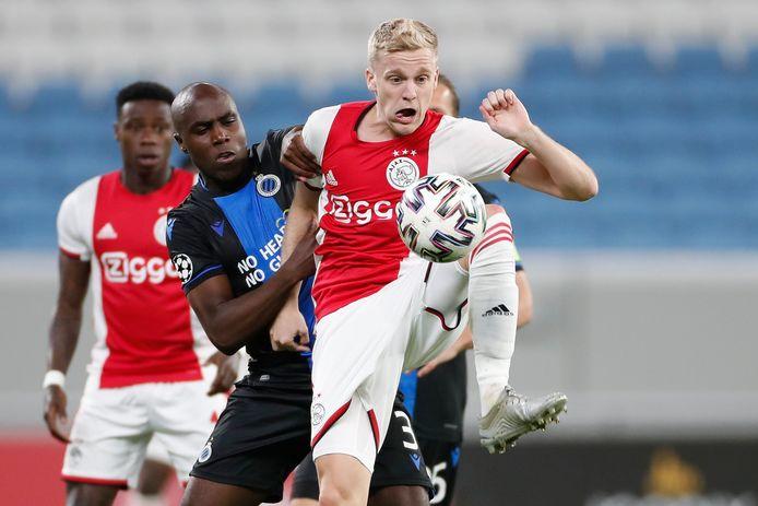Balanta zit Van de Beek van Ajax op de hielen.