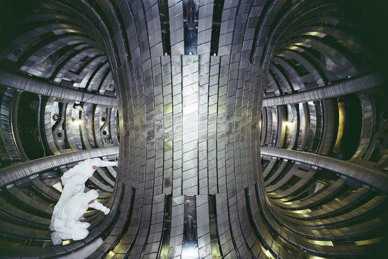 Een blik in de tokamak van de JET, de voorloper van ITER. Beeld JET