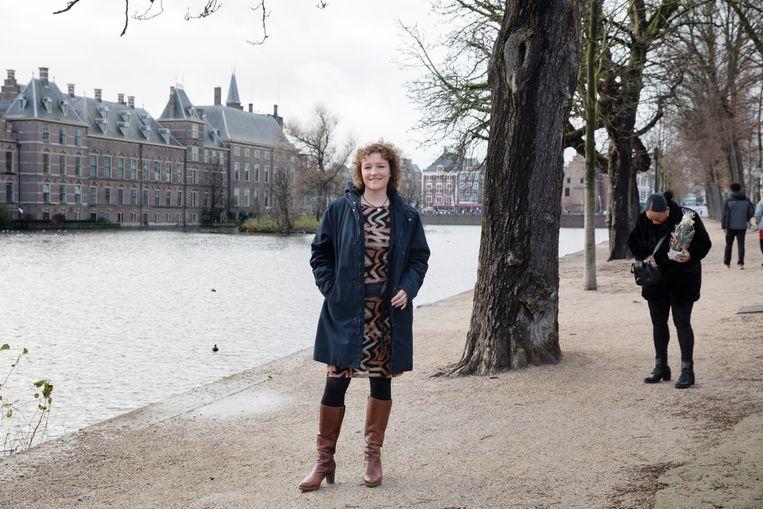 Renske Leijten (SP) bij het Binnenhof, na de presentatie van het eindverslag van de parlementaire ondervragingscommissie Kinderopvangtoeslag.  Beeld Inge Van Mill
