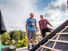 Deze gepensioneerde vrijwilligers knappen zónder hulp pastorie op: 'Het is een complexe constructie'