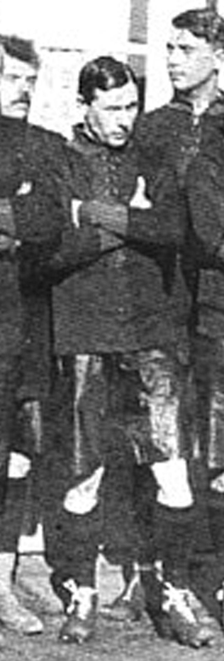 België wint met 0-3 in Duitsland. De eerste zege voor de nationale ploeg op Duitse bodem. Louis Saeys maakte deel uit van de rode duivels die op 16 mei 1910 gingen winnen in Duitsland.