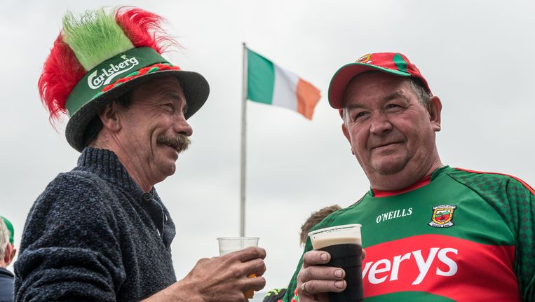 Mayo-supporters afgelopen weekend in Londen. Beeld getty