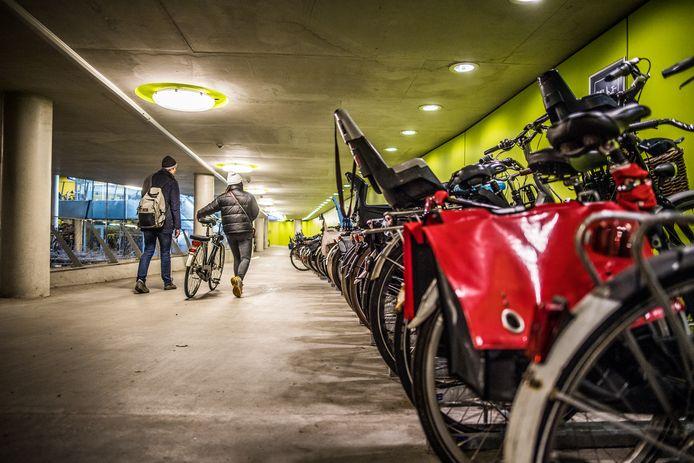 De ondergrondse fietsenstalling van station Arnhem Centraal.