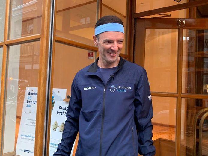 Johan Swinnen vanmorgen net voor hij begon aan zijn nieuwe looptocht naar een onbekende bestemming.
