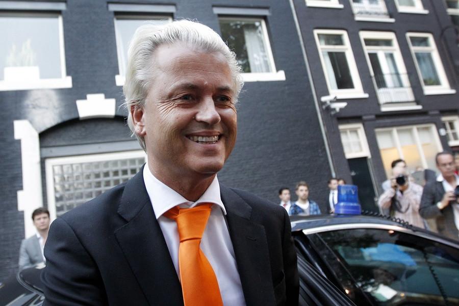 PVV-lijsttrekker Geert Wilders komt aan bij Carré in Amsterdam.