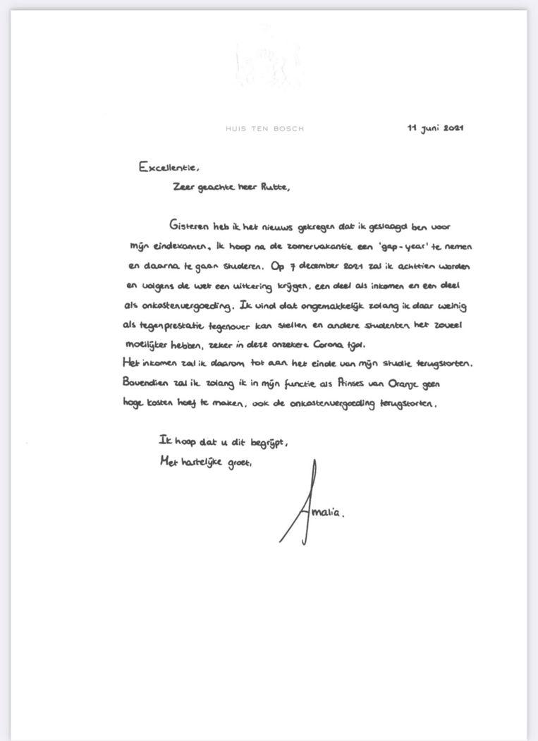 De handgeschreven brief van HKH Amalia van Oranje. Klik om de brief uit te vergroten.  Beeld Trouw