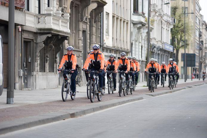 Het fietsteam van de lokale politie.