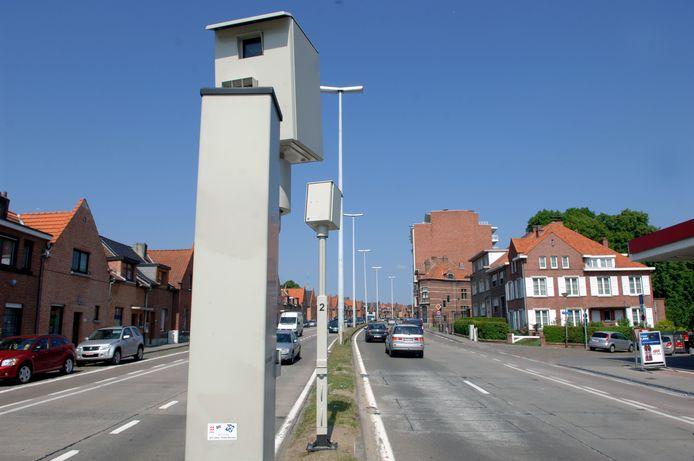 De man had het  gemunt op de flitspaal op de Tervuursevest in Leuven.