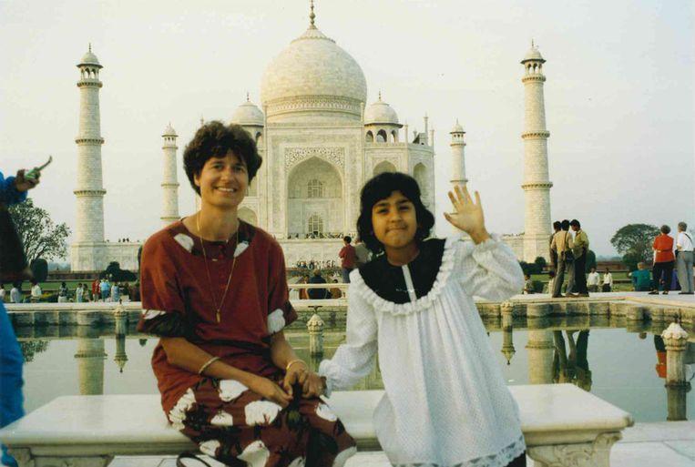 Trekpleister, Taj Mahal, Irma Willemsen en Tanya Sharma feb1993 Beeld null
