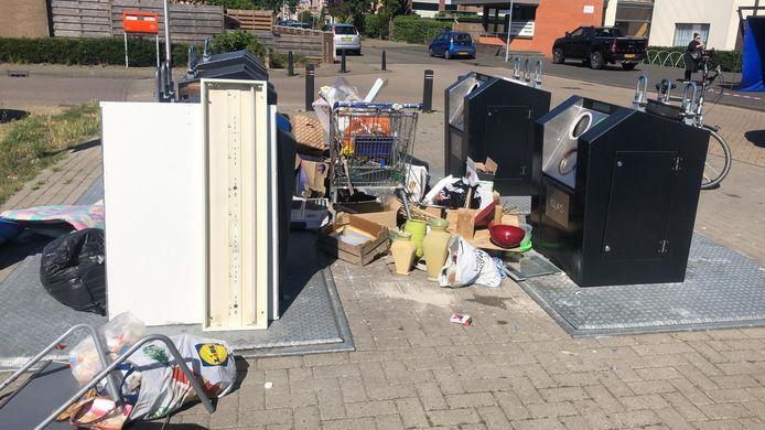 De enorme dumping bij de containers in Doesburg.