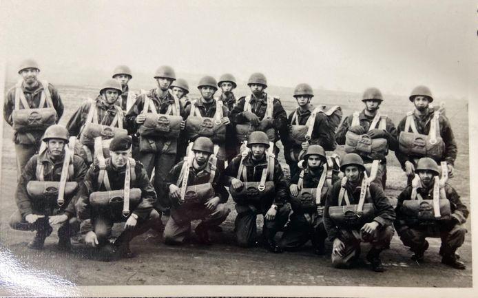 Parachutisten van de 3de bataljon, 16de detachement, 2de compagnie