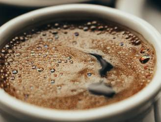 Kopje, iemand? Volgens nieuwe studie brengt gematigd koffiedrinken tal van gezondheidsvoordelen met zich mee