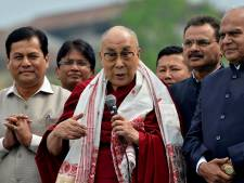 Le dalaï lama retrouve le garde qui l'a accueilli en Inde