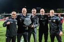 De technische staf van Go Ahead Eagles: Jouad Boufarra, Paul Simonis, Kees van Wonderen, Harmen Kuperus en Tristan Berghuis.