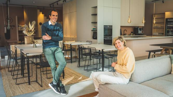 """Publieke living geopend aan Nieuwe Dokken: """"Ouders kunnen onthaasten terwijl hun kinderen naar hartenlust spelen"""""""
