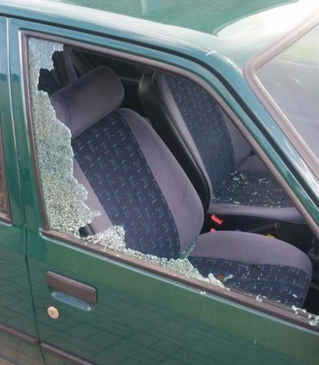 Twee minderjarigen opgepakt voor autoinbraken en vernielingen in Someren