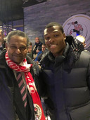 """Oranje International Denzel Dumfries (rechts) laat zich graag adviseren door Iwan Lemmers: ,,Hij heeft een geweldige kijk op voetbal."""""""
