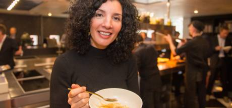 Asperge-ambassadeur Nadia Zerouali opent aspergeseizoen bij De Librije