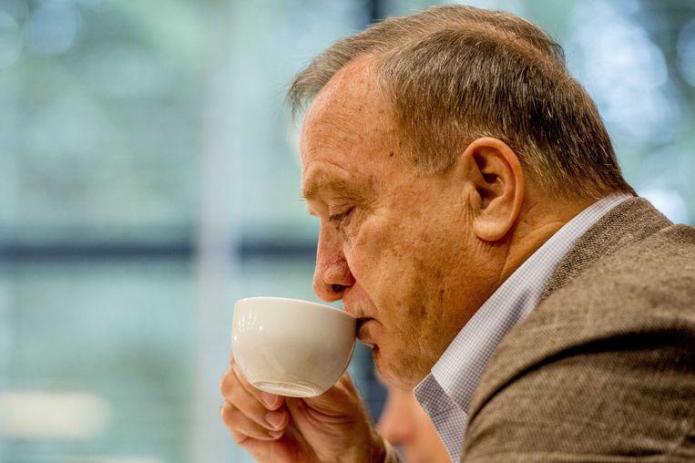 Bondscoach Dick Advocaat maakt tijdens een persconferentie op de KNVB Campus de selectie bekend voor de WK kwalificatiewedstrijd tegen Wit-Rusland. Beeld ANP
