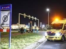 Man (20) zonder rijbewijs rijdt door na ongeval in Almelo