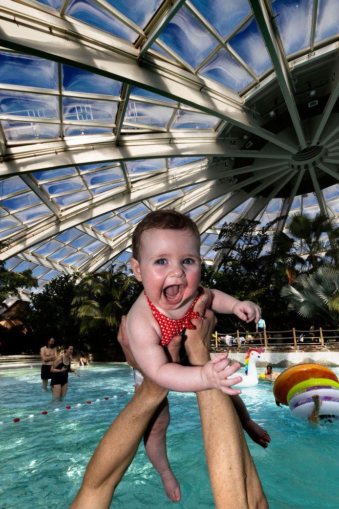 Voor Sofie Mulders was het testevenement in Aqua Mundo haar allereerste zwempartijtje.