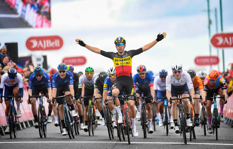 Van Aert wint de laatste rit van de Tour of Britain. Beeld Photo News