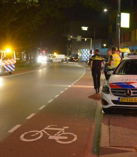 Auto en motor botsen tegen elkaar in Breda
