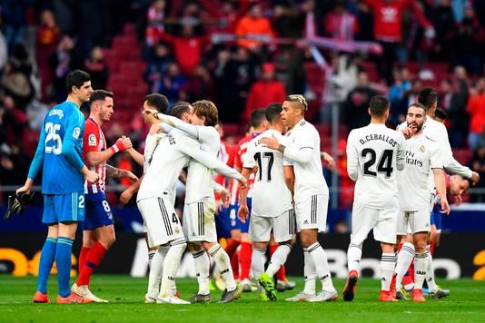 Real Madrid viert de zege op stadgenoot Atlético.