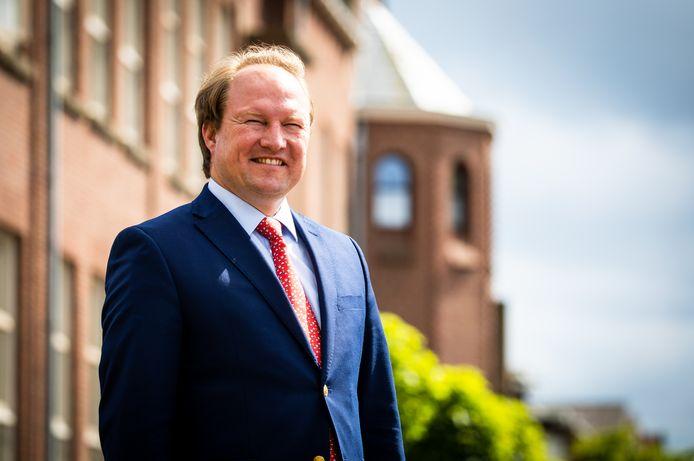 Burgemeester Hein van der Loo van Zwijndrecht: ,,Neem een drone en ga boven de Drechtsteden hangen. Dan zie je de kansen.''