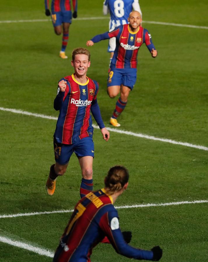 Frenkie de Jong viert zijn doelpunt tegen Real Sociedad.