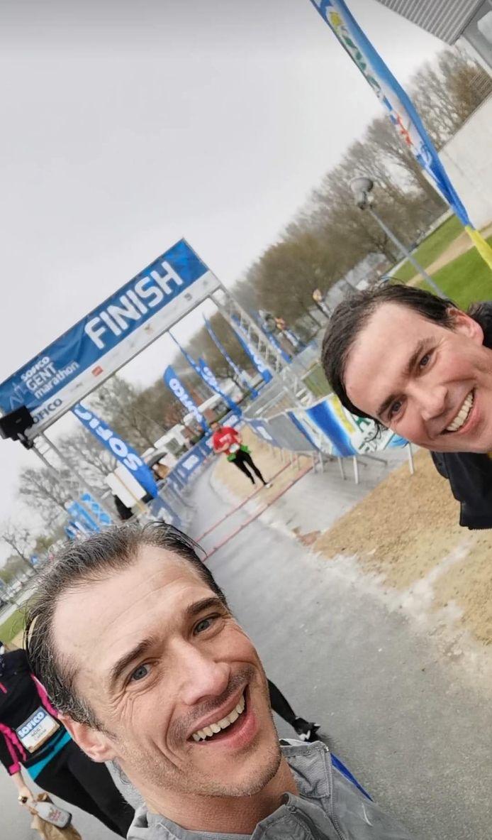 Gents burgemeester Mathias De Clercq (Open Vld) en ex-atleet Cédric Van Branteghem lopen de Soficon Halve Marathon.