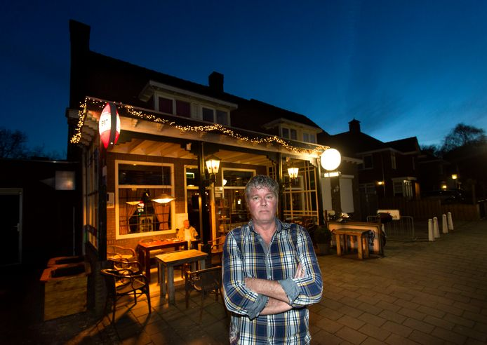 Café de Muis in Geldrop moet op last van de burgemeester 3 maanden dicht.