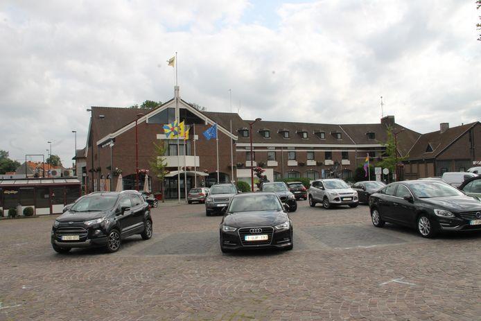 Het gemeentehuis  van Meulebeke.