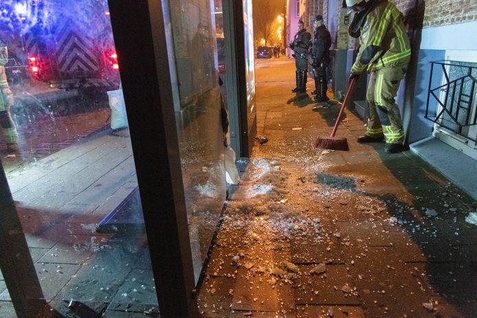 Tijdens de vorige oudejaarsnacht werd in een gokkantoor in Antwerpen een  vuurwerkbom binnengegooid.