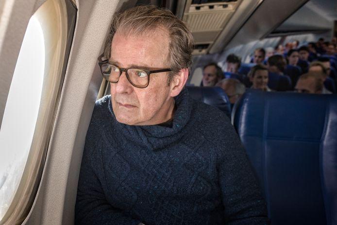Koos Schinkel overleefde een vliegramp in 2009, waarna hij zijn leven over een andere boeg gooide.