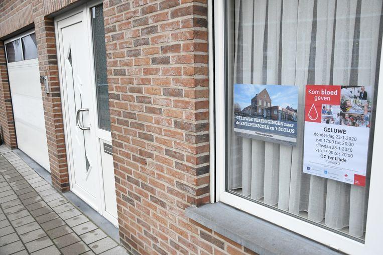 In Geluwe duiken affiches op tegen de sloop van de gewezen jongensschool en 't Scolus.