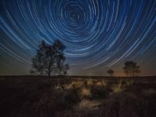 Johan legt de mooiste sterrenhemels vast dankzij de coronacrisis: 'Dat is echt uniek'