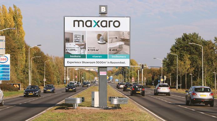 Een digitaal reclamebord bij de Graaf Engelbertlaan in Breda.