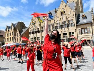 """#REDCHALLENGE. Diksmuide kleurt rood voor uitdaging Eden Hazard: """"Zo trots dat we kunnen tonen hoe zot we van de Duivels zijn"""""""
