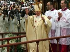 Le pape quitte l'Afrique en renouvelant son appel à lutter contre la pauvreté