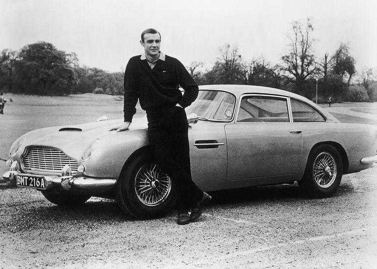 Sean Connery op de set van 'Goldfinger' (1964). Beeld Bettmann Archive