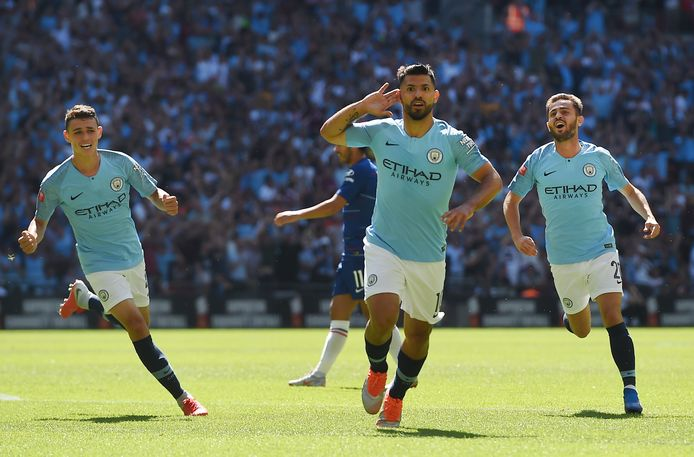 epa06929369 Manchester City's Sergio Aguero (C) celebrates after scoring a goal during the FA Community Shield match between Chelsea FC and Manchester City at Wembley Stadium in London, Britain, 05 August 2018.  EPA/ANDY RAIN EDITORIAL USE ONLY. No use with unauthorized audio, video, data, fixture lists, club/league logos or 'live' services. Online in-match use limited to 75 images, no video emulation. No use in betting, games or single club/league/player publications.