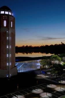 Hotel De Veerse watertoren wordt blikvanger met uitzicht op zwemplas, de Biesbosch en de Efteling