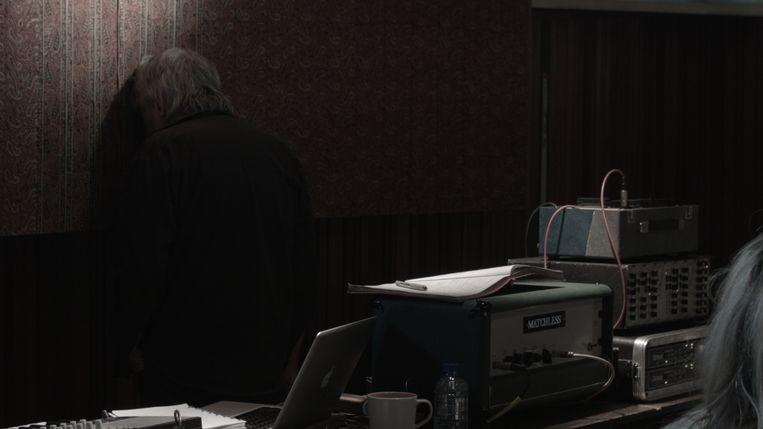 ► Een beeld uit de documentaire, die een opvallend intieme kijk in het hoofd van Arno biedt. Beeld RV