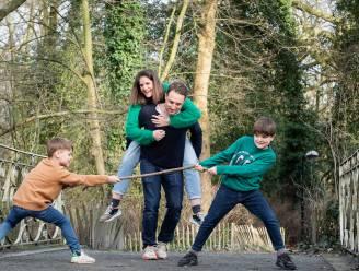 """Je kinderen goed opvoeden, hoe doe je dat? Diedrik (42) en Sofie (39) hebben twee zonen, eentje met autisme: """"Alle maaltijden liggen 3 weken op voorhand vast"""""""