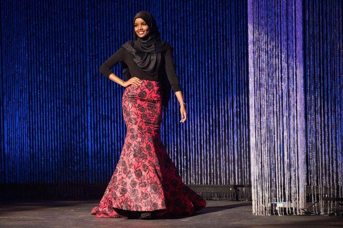 Halima Aden tijdens een Miss-verkiezing in Minnesota, VS.