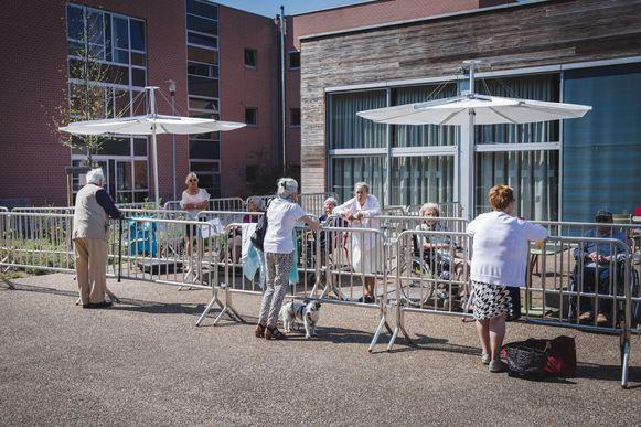 De coronamaatregelen aan het woonzorgcentrum werden ingevoerd vlak nadat de directeur tijdelijk vervangen moest worden.